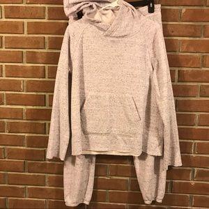 Light pink / Gray UGG sweatsuit